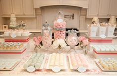 Perfect for a baby shower dessert buffet Buffet Dessert, Dessert Bars, Dessert Tables, Dessert Ideas, Candy Table, Candy Buffet, Elegante Desserts, Deco Pastel, Pastel Candy