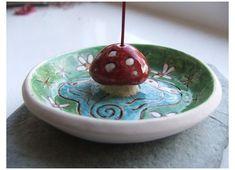 Ceramic Pottery, Pottery Art, Ceramic Art, Clay Art Projects, Ceramics Projects, Polymer Clay Crafts, Diy Clay, Diy Incense Holder, Ceramic Incense Holder