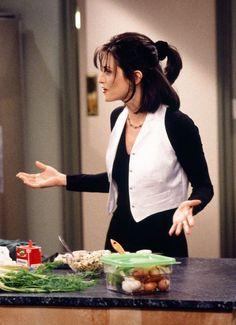 Friends Cast, Friends Moments, Friends Series, Friends Tv Show, Monica Hairstyles, 90s Hairstyles, Emma Bunton, Rachel Green, Alicia Silverstone