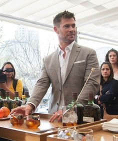 Chris Hemsworth in Mexico for a benefit of Buchanan.