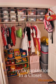 Housewife Eclectic: Toy Organization in a Closet/ Kids Closet Organization + Free Label Printable