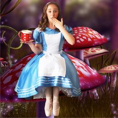 ...Alice in Wonderland with an Cup Tea...