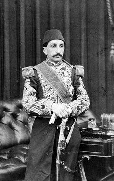 Sultan Abdul Hamid of the Ottoman Empire died on February World History, Art History, World War I, Historical Art, Historical Pictures, Ragnar Lothbrok Vikings, Ottoman Decor, Old Egypt, Ottoman Empire