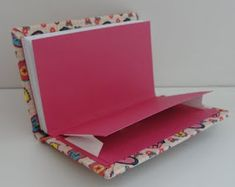 Estou com 2 modelos de caderno de bolso em estoque!!!   Tamanho: 13x8cms  112 págs (56fls) - folha 120grs sem pauta  Bolso e fechamento em e... Handmade Diary, Handmade Books, Custom Journals, Fabric Journals, Book Crafts, Paper Crafts, Arts And Crafts, Book Binding Design, Leather Sketchbook