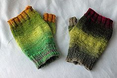 Ravelry: Hands Up pattern by Aileen Cahill Knit Mittens, Mitten Gloves, Fingerless Mitts, Sock Yarn, Hand Warmers, Hand Knitting, Ravelry, Knit Crochet, Socks