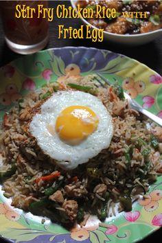 YUMMY TUMMY: Stir Fry Chicken Rice with Fried Egg