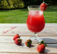 Questo fruit drink è un delizioso cocktail analcolico, molto dissetante e rinfrescante, quindi perfetto in questi caldi giorni estivi