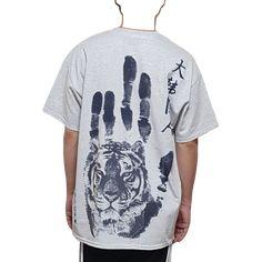 호랑이 안중근 나라사랑 티셔츠 - 캔버스티 - 단독상품 Mens Tops, T Shirt, Fashion, Supreme T Shirt, Moda, Tee Shirt, Fashion Styles, Fashion Illustrations, Tee