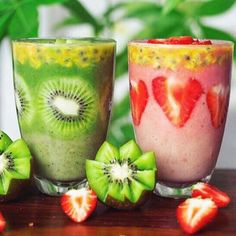 Two smoothie mid morning snack - which would you choose? Matcha kiwi or strawberry banana nom nom www.zengreentea.com #matcha #superfood