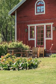 Windows and door Swedish Cottage, Red Cottage, Cottage Style, Building A Small House, Norwegian House, Sweden House, Red Houses, Farmhouse Architecture, Farmhouse Paint Colors