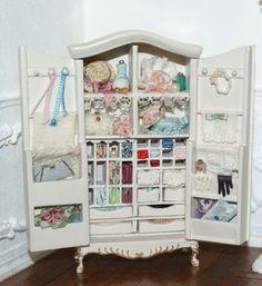 Puppenhaus-Miniaturen Kleiderschrank von cosediunaltromondo auf Etsy