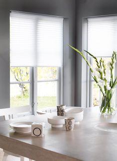 Plisségardiner - fleksible og moderne Roman Shades, Curtains, Inspiration, Home Decor, Pictures, Biblical Inspiration, Blinds, Decoration Home, Room Decor