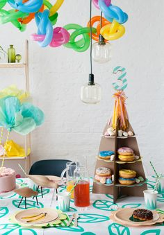 We Like Mondays // Lucky Friday Printable // Party-Etagere