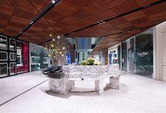 Fantastic Concierge Desk in Westfields Sydney