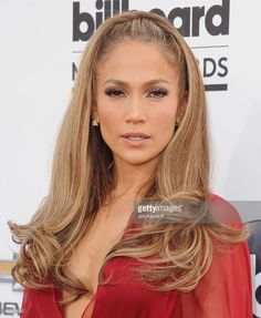 Jennifer Lopez Did Vegan Challenge Like Jay Z, Beyonce - Us Weekly New Hair Colors, Cool Hair Color, Jennifer Lopez Body, Steal Her Style, Fashion Models, Outfits Casual, Winona Ryder, Hair 2018, Super Hair