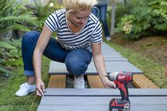 How To Build A Boardwalk 2019 The Pacific Northwest climate is perfect for a backyard DIY boardwalk especially one built with composite decking materials. Learn how with this post! The post How To Build A Boardwalk 2019 appeared first on Backyard Diy. Deck Building Plans, Deck Plans, Cool Deck, Diy Deck, Dunn Lumber, Garden Wallpaper, Wood Walkway, Walkway Ideas, Wooden Pathway