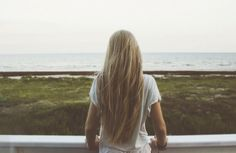 How To Lighten Your Hair Without Bleach, Because Anything Is Possible With A Little Sun