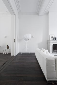 An amazing all white home in the Netherlands