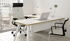 Reflex office desking from Elite Office Furniture
