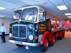 AEC in William Gilder Haulage Contractor. Vintage Trucks, Vintage Bikes, Old Trucks, Classic Trucks, Classic Cars, Old Lorries, Buses And Trains, Train Truck, Heavy Truck