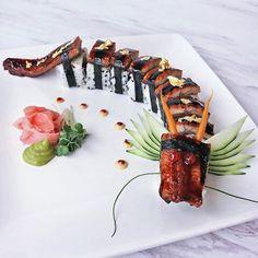 May the unagi dragon bring everyone good fortune on this Chinese New Year! Sushi Sushi, Sushi Art, Dragon Sushi, Dragon Roll, Sushi Sauce, Sushi Roll Recipes, Japanese Food Sushi, Onigirazu, Restaurants