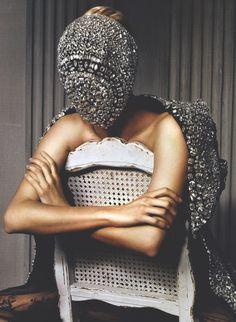 Margiela mask: on.