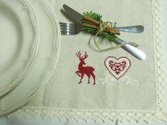 DIY something for your christmas dinner. Reindeer, Napkins, Dinner, Tableware, Christmas, Diy, Do It Yourself, Dinnerware, Navidad