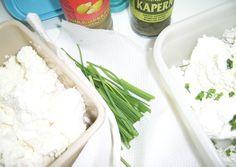 Krémsajt házilag (natúr és ízesített)   sue53 receptje - Cookpad receptek Grains, Dairy, Rice, Homemade, Food, Meal, Essen, Hoods, Hand Made
