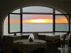 desayunar con las mejores vistas del Mediterráneo...San José, tan bonito en invierno como en verano