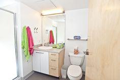 Bathroom in a Poplar Hall Dormroom