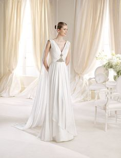 La Sposa - Brides by Losners La Sposa Wedding Dresses, Bridesmaid Dresses, Bridal Gown Styles, Bridal Gowns, Ball Gowns Evening, Evening Party, Formal Prom, Marie, Chiffon
