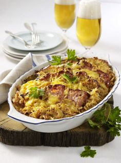 The recipe for Bavarian meat cheese casserole and other free recipes on LECKER.de The recipe for Bavarian meat cheese casserole and other free recipes on LECKER. Vegetable Stew, Vegetable Recipes, Meat Recipes, Cooking Recipes, Free Recipes, Meat And Cheese, Macaroni And Cheese, Casserole Dishes, Casserole Recipes