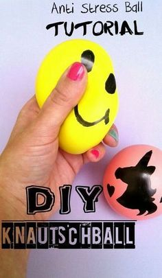 In this guide, I'll show you how to make a crunch ball, stress ball, juggling ball easy and chea Anti Stress Ball, Diy Pinterest, Easter Activities, Kindergarten Teachers, Childrens Party, Kids And Parenting, Diy Tutorial, Crafts For Kids, How To Look Better
