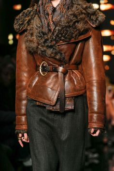 Donna Karan Fall 2015 Ready-to-Wear Fashion Show Fashion Week, Fashion Models, Fashion Show, Womens Fashion, Fashion Design, Donna Karan, Leder Outfits, Casual Fall, Leather Fashion