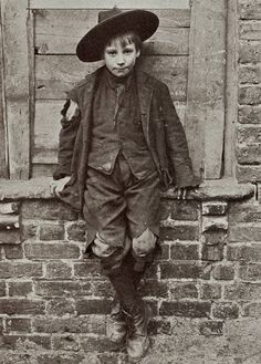 Spitalfields Nippers: East London street-urchins of 1912