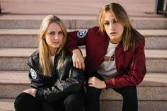 Novedad!! S.L. 80´s Bomber Jacket, modelo chico y chica.  Fotografía y video: @rod_and_cone @samuelrojolight  Modelos: @luziarejas Rejas, @anitaxaxi  Ropa: @Sefinhe - Bomber S.L. 80´s