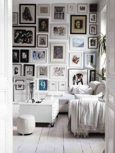 how to: mix and match art wall {video + gray malin giveaway}