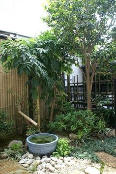 small space Japanese garden More