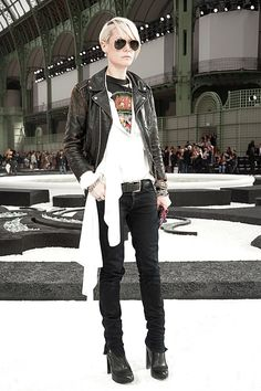 Kate Lanphear.....Style Director at ELLE...love her street style, and she can pull off that platinum pixie cut with sweeping bangs like Nobody's Biz!!!!!!