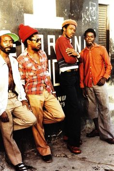 Cover of Dancehall: The Rise of Jamaican Dancehall Culture by Beth Lesser published in 2008 The style within early dancehall culture of the late seventies and early eighties is really inspiring. Hip Hop Fashion, 70s Fashion, Urban Fashion, Reggae Rasta, Reggae Music, Jamel Shabazz, Reggae Style, Evolution Of Fashion, Street Portrait