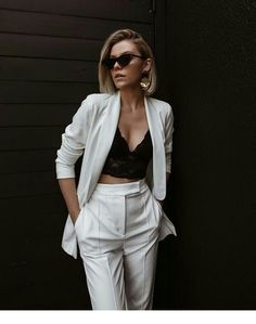 Stunning Spring Outfits For Your Inspiration Suit Fashion, Look Fashion, Fashion Outfits, Classy Outfits, Stylish Outfits, Look Blazer, White Suits, Professional Outfits, Elegant Outfit