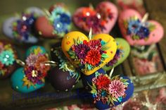 These hearts are so bright and fun to look at. Jennifermorrisbeads via Etsy also makes wonderful earrings too.