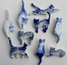 These broaches with Blue & White #Porcelain #Cats are very attractive.  Only problem is, which one do your wear first!