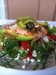 dilled salmon salad-- one of my favorites. Salmon Avocado, Salmon Salad, Baked Salmon, Avocado Salad, Salad Dishes, Main Dish Salads, Get Healthy, Healthy Eating, Healthy Food