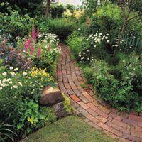 47 Trendy Ideas For Garden House Brick Pathways Brick Pathway, Brick Garden, Garden Paths, Cottage Garden Design, Cottage Garden Plants, Cottage Gardens, Garden Structures, Backyard Landscaping, Landscaping Ideas
