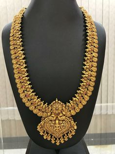 Gold Temple Jewellery, Gold Jewellery Design, Gold Jewelry, Gold Haram Designs, Gold Ring Designs, Indian Jewelry Sets, India Jewelry, Gold Pendant, Pendant Jewelry