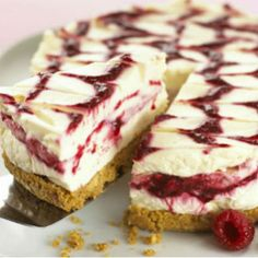 Cheesecakes are always a popular dessert and this pretty raspberry swirl cheesecake will be well enjoyed. Raspberry Swirl Cheesecake Recipe from Grandmothers Kitchen. Raspberry Swirl Cheesecake, Cheesecake Recipes, Dessert Recipes, Raspberry Ripple, Strawberry Tiramisu, Tiramisu Recipe, Mini Cheesecakes, Gastronomia, Caramel