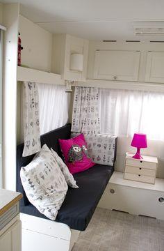 Homecar 5   caravanity Small House Living, Rv Living, Tiny House, Caravan Makeover, Caravan Renovation, Space Interiors, Vintage Interiors, Camping, Ikea Fabric
