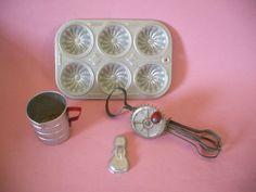 Vintage Tin Miniature Kitchen Toys Betty Taplin Egg B..