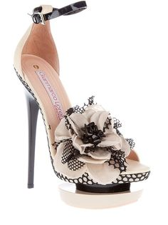 http://www.wholesaleage.com/wholesale-fashion-designer-shoes  2013 new style fashion shoes, large discount high heel shoes for womens, cheap discount fashion shoes online outlet, free shipping around the world